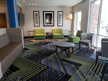 Hotel Interior | Holiday Inn Express & Suites Nashville North - Springfield