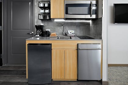 Private Kitchen | TownePlace Suites by Marriott New York Manhattan/
