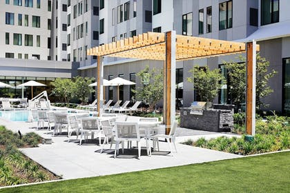 BBQ/Picnic Area | Residence Inn by Marriott Dallas by the Galleria