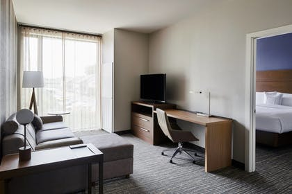 Guestroom | Residence Inn by Marriott Dallas by the Galleria
