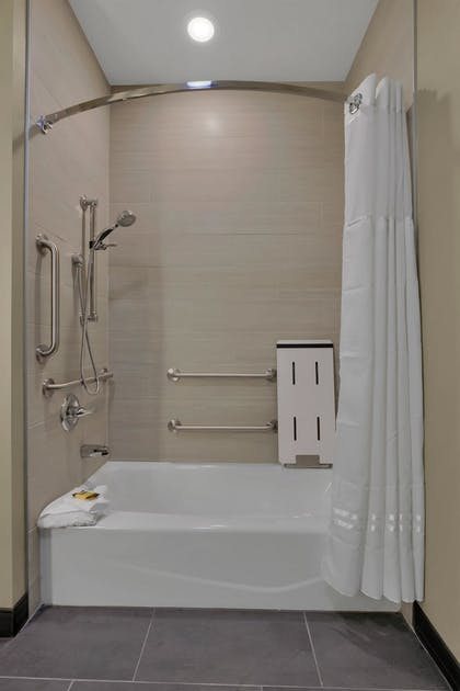 Bathroom | Best Western Plus Executive Residency Fillmore Inn
