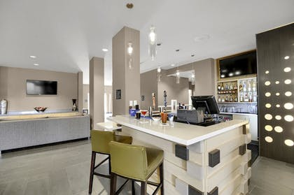 Hotel Bar | Best Western Plus Executive Residency Fillmore Inn