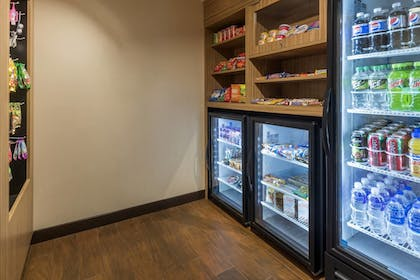 Snack Bar | TownePlace Suites by Marriott Hays
