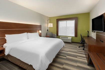 Guestroom | Holiday Inn Express & Suites St. Louis - Chesterfield