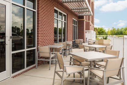 Terrace/Patio | Holiday Inn Express & Suites St. Louis - Chesterfield