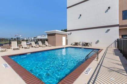 Pool | Sleep Inn & Suites Galveston Island