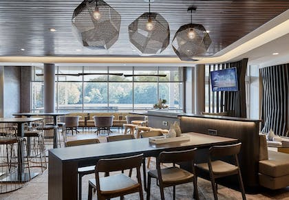 Hotel Bar | SpringHill Suites by Marriott Newark Downtown