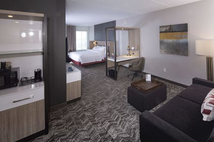 Room | SpringHill Suites by Marriott Newark Downtown