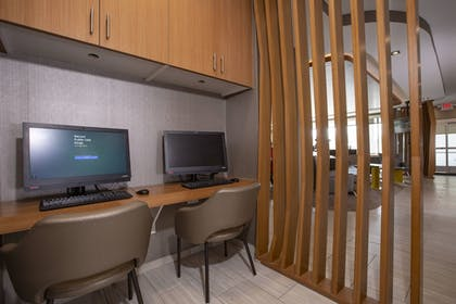 Business Center | SpringHill Suites by Marriott Newark Downtown