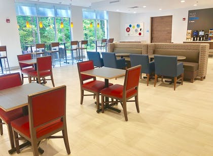 Restaurant | Holiday Inn Express & Suites Raleigh Airport - Brier Creek