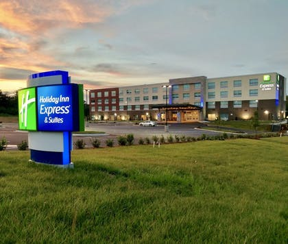 Featured Image | Holiday Inn Express & Suites Raleigh Airport - Brier Creek