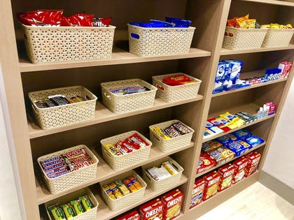 Snack Bar | Holiday Inn Express & Suites Raleigh Airport - Brier Creek