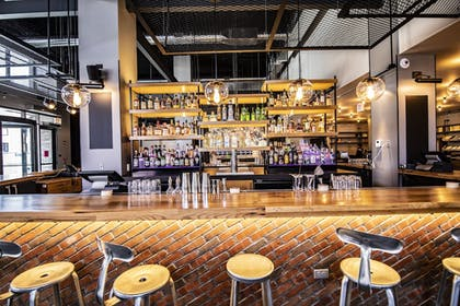 Hotel Bar | Moxy Chicago Downtown