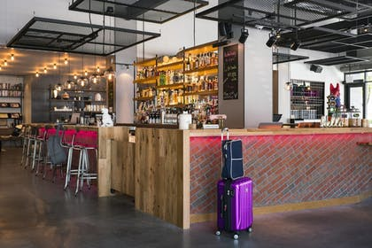 Lobby | Moxy Chicago Downtown