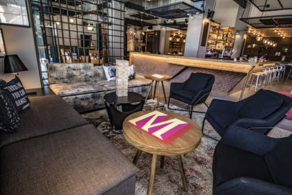 Lobby Lounge | Moxy Chicago Downtown