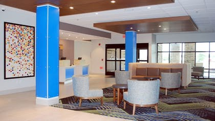 Lobby   Holiday Inn Express and Suites White Hall