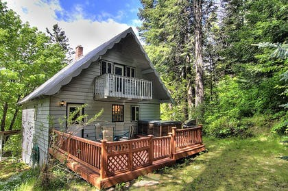 Featured Image | Ridge View Retreat - Three Bedroom Cabin with Hot Tub