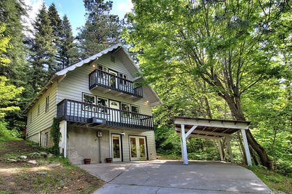 Hotel Front | Ridge View Retreat - Three Bedroom Cabin with Hot Tub