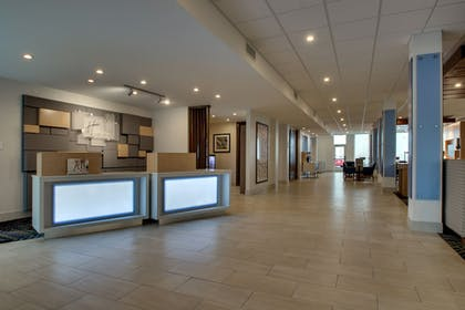 Lobby | Holiday Inn Express & Suites Mt Sterling North