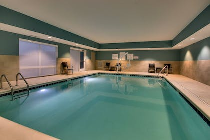 Pool | Holiday Inn Express & Suites Mt Sterling North