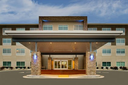Featured Image | Holiday Inn Express & Suites Mt Sterling North