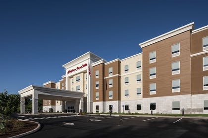 Front of Property | Hampton Inn & Suites Rocky Hill-Hartford South, CT