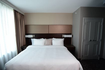 Guestroom | Residence Inn by Marriott Nashville Downtown/Convention Center