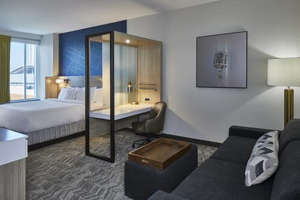 Guestroom | SpringHill Suites by Marriott Nashville Downtown/Convention Center