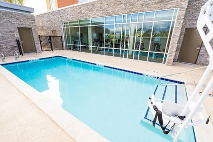 Outdoor Pool | SpringHill Suites by Marriott Ontario Airport/Rancho Cucamonga