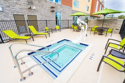 Outdoor Spa Tub | SpringHill Suites by Marriott Ontario Airport/Rancho Cucamonga