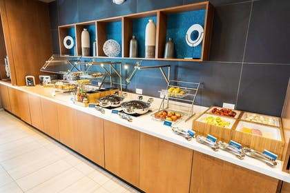 Breakfast buffet | SpringHill Suites by Marriott Ontario Airport/Rancho Cucamonga