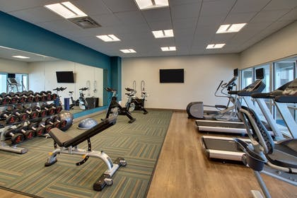 Fitness Facility | Holiday Inn Express & Suites Findlay North