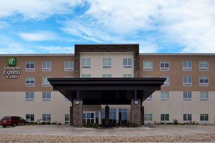 Exterior | Holiday Inn Express & Suites Marshalltown