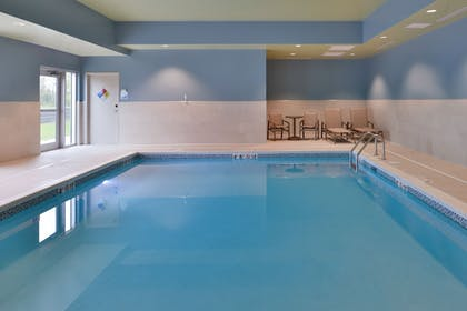 Indoor Pool | Holiday Inn Express & Suites Marshalltown
