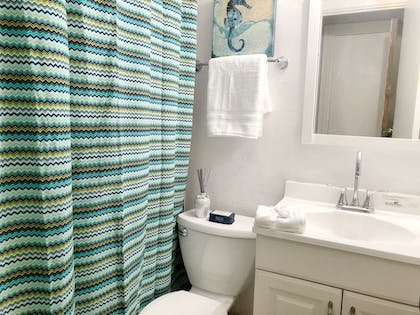 Bathroom | Designer Decorated Palm Beach Hotel NEW