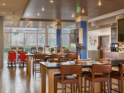 Coffee Service | Holiday Inn Express & Suites Salem North - Keizer
