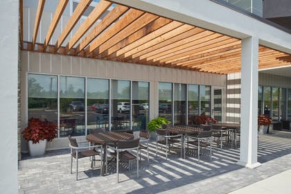 Outdoor Dining | TownePlace Suites by Marriott Cleveland Solon