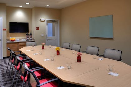 Meeting Facility | TownePlace Suites by Marriott Cleveland Solon