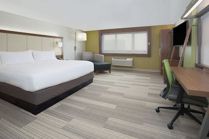 Guestroom | Holiday Inn Express & Suites Lexington W - Versailles