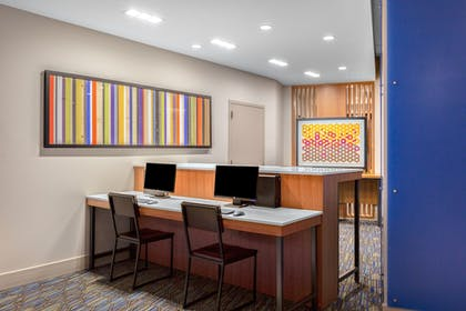 Business Center   Holiday Inn Express and Suites Union Gap- Yakima Area