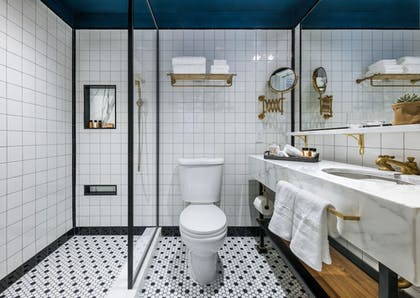Bathroom | Merrion Row Hotel and Public House