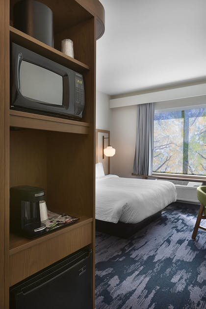 Guestroom | Fairfield Inn & Suites by Marriott Shelby