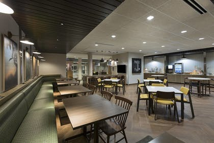 Breakfast Area | Fairfield Inn & Suites by Marriott Shelby