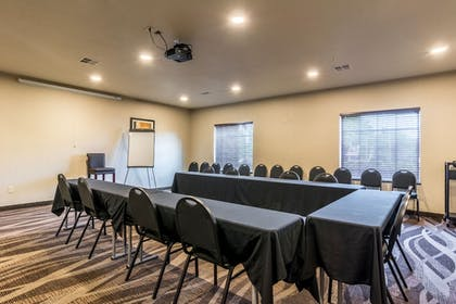Meeting Facility | Cobblestone Hotel & Suites - Hutchinson