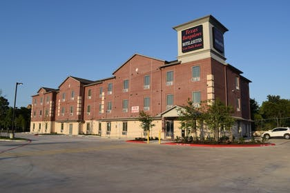 Featured Image | Texas Bungalows Hotel and Suites Austin