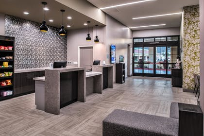 Hotel Entrance | Best Western Plus Temecula Wine Country Hotel &Suites