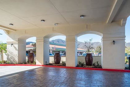 Fountain | Best Western Plus Temecula Wine Country Hotel &Suites