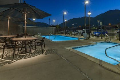 Pool | Hyatt Place Provo