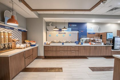 Restaurant | Holiday Inn Express and Suites Houston Westchase - Westheimer
