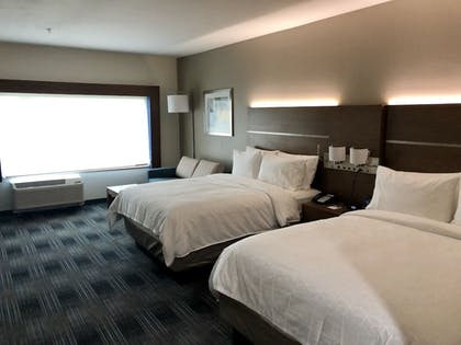 Guestroom | Holiday Inn Express and Suites Houston Westchase - Westheimer